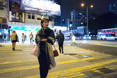 Friday Night (人間觀察) Tags: 28mm f14 7artisans 7artisans28mmf14 七工匠 leica m240p leicam leicamp hong kong street photography people candid city stranger mp m240 public space walking off finder road travelling trip travel 人 陌生人 街拍 asia girls girl woman 香港 wide open