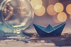 """""""Boat lights"""" (mariajoseuriospastor) Tags: stilllife origami barcopapel bokeh"""