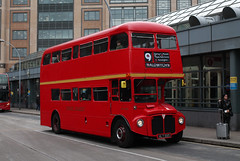 Route 9, London United, RML880, WLT880 (Jack Marian) Tags: route9 londonunited rml880 wlt880 aec aecroutemaster routemaster hammersmith hammersmithbusstation aldwych buses bus london comicrelief