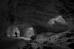 Bailarina na gruta (mcvmjr1971) Tags: green nikon d800e lens sigma 2435mm art f20 caverna gruta spar marica brasil 2019 mmoraes trilha subsolo silhueta luz sombra outdoor underground yoga