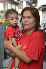 grandma and boy dressed for chinese new year (the foreign photographer - ฝรั่งถ่) Tags: grandma boy toddler chinese new year red shirts khlong thanon portraits bangkhen bangkok thailand nikon d3200