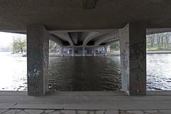 hamburg kennedybrücke (Jörn Schiemann) Tags: kennedybrücke kennedy bridge river alster architecture bernhard hermkes structure girder road concrete beton brut
