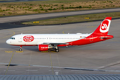 D-ASGK NIKI (Sundair) Airbus A320-214 (buchroeder.paul) Tags: dasgk niki sundair airbus a320214 eddk cgn cologne airport germany europe ground
