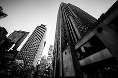 New YorkBW0640 (schulzharri) Tags: new york black white schwarz weis usa amerika america travel reise skyscraper wolkenkratzer hochhaus