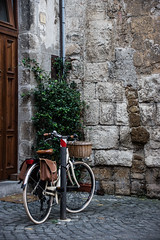 Hitching Post (Prestidigitizer) Tags: buildings bicycle orvieto italy cycling pentaxk3 sigma18250mmdcmacro