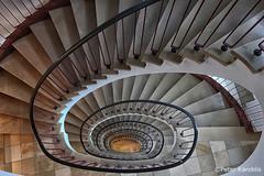 Hamburg Detjenhaus (peterkaroblis) Tags: hamburg treppenhaus staircase haus house building gebäude innenansicht architektur architecture interiordesign innenarchitektur interieur interiorarchitecture lines curves linesandcurves geometry geometrie
