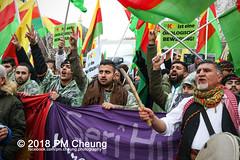 Demonstration: Der Wunsch nach Freiheit lässt sich nicht verbieten! – 01.12.2018 – Berlin - IMG_9761 (PM Cheung) Tags: 25jahrepkkverbot ypg kurden polizei polizeigesetze berlin derwunschnachfreiheitlässtsichnichtverbieten derwunschnachfreiheitlässtsichnichtverbietengemeinsamgegenpolizeigesetze pkkverbotundnationalismus bundesweitedemonstration interventionistischelinke kurdistan rojava türkei 01122018 demonstration demo pag polizeiaufgabengesetz kurdendemonstration pmcheung protest repression überwachung bundesinnenministerhorstseehofer kundgebung 2018 protestfotografie pomengcheung mengcheungpo auftaktkundgebung wwwpmcheungcom aufhebungpkkverbot afd facebookcompmcheungphotography polizeistaat arbeiterparteikurdistans protestveranstaltung rotehilfeev partiyakarkerênkurdistanê ernk bundesinnenministerrudolfseiters auseinandersetzungen rangeleien diepkkgehörtzudeutschland serihilde