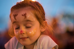 Fighting Sandman (OzzRod) Tags: sony a7rii smcpentaxk85mmf18 tired christmas facepainting rudolph portrait ontherun uncropped dailyindecember2018