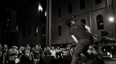 Willis Drummond. Alhóndiga (Igorza76) Tags: willisdrummond willis drummond tabularasa tabula rasa athabasca baiona bilbo bilbao azkuna zentroa centro alhóndiga atrio de las culturas aretoa sala taldea group grupo band directo zuzenean live concierto kontzertua concert musika música music blanco negro zuri beltz baltz black white bw bn zb atala estudioa rock jurgi ekiza canon 6d 85mm guitar