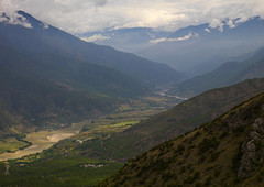 Tiger Leaping Gorge And Jinsha River, Lijiang, Yunnan Province, China (Eric Lafforgue) Tags: a0007886 asia canyon china colorpicture copyspace day greencolor horizontal jinshariver landscape mountain nature nopeople outdoor river rock ruralscene scenics terracedfield tigerleapinggorge tranquilscene valley yunnan yunnanprovince lijiang
