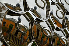 Carmen Miranda (<p&p>photo) Tags: abstract detail closeup garden house art artwork publicart sculptor sculpture carmenmiranda 2008 joanavasconcelos vasconcelos stainless steel stainlesssteel pans lids westonfamily weston family shoe metal color colour fujix fujifilmx fujifilmxseries fujifilm xseries digital jupiterartland westcalder jupiter artland wilkieston edinburgh scotland uk
