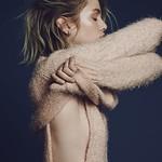 Style Inspiration : For Love & Lemons Knitz #style #fashion #sweater #bob #hair thumbnail