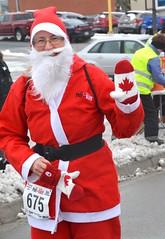 2018 The Santa Pur-suit (runwaterloo) Tags: julieschmidt sneakpeek 2018santapursuit3km 2018santapursuit santapursuit3km runwaterloo 675
