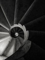 Escalera en caracol de la torre. Sagrada Familia (Blas Tovar) Tags: arquitectura mzuikodigital1442mm13556 02profesionales antonigaudi iglesia europa barcelona sagradafamilia olympusepl1 cataluña camara objetivo equipo geográficas país españa técnicas epl1
