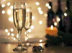 Champagne (Martyn.Hayes) Tags: fairylights christmaslights fun party christmas xmas festive seasonal noel yule reflection lights dinner christmasdinner drink alcohol wine glass decorations garland bokeh stilllife kitchen diningroom sparkle champagne bubbly bubbles prosecco