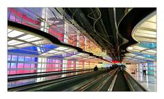 Tunnel (Jean-Louis DUMAS) Tags: tunnel escalator couleur colors courbes lignes lines curves airport aéroport chicago