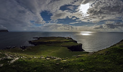 Neist Point Lighthouse 2a (Bilderschreiber) Tags: neist point lighthouse isle skye scotland schottland uk coast küste weitwinkel fisheye wide angle wideangle sea meer sun sonne clouds wolken