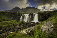 Kirjufellsfoss (Longleaf.Photography) Tags: waterfall iceland kirkjufellsfoss kirkjufell snaefellsnes mountains hiker hike