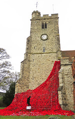 Rayleigh Holy Trinity Church. (Keith B Pics) Tags: rayleighessex holytrinitychurch lestweforget 19182018 poppies remembrance keithbpics ss68bb worldwarone 19141918 100years 111118