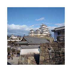(roberto_saba) Tags: add tags medium format 6x6 120 mamiya 6 75mm f35 ブローニー fujicolor fujifilm fuji japan kite 姫路城 himejijō himeji castle 400h
