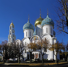 (janepesle) Tags: russia architecture town travel nature autumn fall church tree outdoors cityscape россия сергиев посад лавра архитектура
