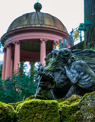 Brunnen (KaAuenwasser) Tags: skulpturen schloss schlossgarten schwetzingen brunnen wasser speier wasserspeier moos bauwerk anlage