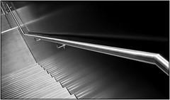 way down (EOS1DsIII) Tags: eos1dsiii deutschland frankfurtmain germany bw sw schwarzweis blacknwhite treppe stairs handrail geländer knox metal elitegalleryaoi bestcapturesaoi