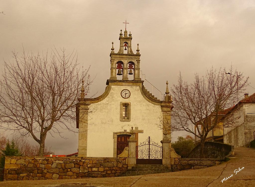 Águas Frias (Chaves) - ... igreja matriz, em dia invernoso ...