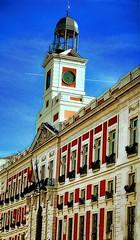Puerta del Sol de Madrid (trascasluchi) Tags: reloj monumento madrid españa edificio sol puerta