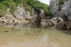 Gulpiyuri Beach 4 (Nino Olivieri) Tags: españa playadegulpiyuri asturias spagna asturie spiaggiadigulpiyuri spain gulpiyuribeach acqua mare water sea