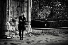 Waiting (Bury Gardener) Tags: monochrome mono burystedmunds bw blackandwhite britain suffolk streetphotography street streetcandids snaps strangers candid candids people peoplewatching folks 2018 nikond7200 nikon england eastanglia uk angelhill