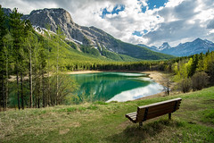 WEDGEPONDNOSNOW-06273 (ashleycousinsphotography) Tags: kananaskis canada pond water mountain mountainscape canmore banff alberta grass green trees forest sky rocks