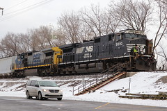 M337 on a cold day (DonnieMarcos) Tags: m337 railroad railway railfanning cn canadiannational freeport freeportsub cnfreeportsub berwyn berwynil rail railfan rails cnr ns norfolksouthern snow winter