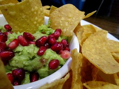 Guacamole with Pomegranate Seeds, Arcadia Tavern, Phoenix, AZ (classic_film) Tags: phoenix arizona restaurant tavern lunch city food pub maricopacounty town usa unitedstates american america canon dining urban guacamole bar comida comestible alimentation nourriture nourishment appetizer southwestern southwest