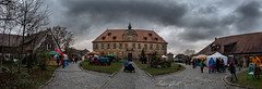 LandWeihnacht Schloss Hemhofen 0612 Panorama (Peter Goll thx for +10.000.000 views) Tags: familie 2018 weihnachtsmarkt hemhofen bayern deutschland de schloss castle landweihnacht franken