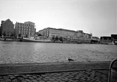 2018-11-08-0015 (fille_ennuyeuse) Tags: berlin germany 35mm black white film kodak tmax400 analog photography rezy marie copenhagen denmark stockholm sweden kelly dave yoha coca cola xxl