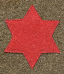 World War 1 era Red Star shoulder patch of the American 6th US Infantry Division (thstrand) Tags: bloodred starshaped starshape sewing stitched ssi shouldersleeveinsignia military uniform uniforms wwi worldwarone ww1 wool government felt emblem doughboy cloth badge artifact armedforces americanexpeditionaryforce aef early20thcentury 19101919 nobody army sightseeing6th sightseein'sixth insignia unitedstates unitedstatesofamerica history historic lightinfantry shoulderpatch starofdavid militaryuniform usa american us 6thinfantrydivision redcolor redstar