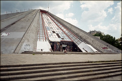 img992a (ktos.2) Tags: olympus mju fuji color 200 c200 fujifilm analog film 135 albania tirana pyramid summer hitchhiking