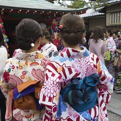 Kimono at Kongo-ji (Tim Ravenscroft) Tags: kimono kongoji temple kyoto textiles hasselblad hasselbladx1d