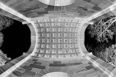 Heidelberg, Karlstor. (wimjee) Tags: nikond7200 d7200 heidelberg duitsland germany samyang8mm35fisheyecsii karlstor poort historisch historic building gebouw fisheye niksoftware silverefexpro2 monochrome blackwhite zwartwit gimp