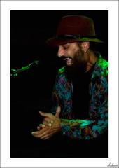 Duquende, el último Flamenco (V- strom) Tags: texturas textures nikon nikon2470 nikond700 nikon70300 flamenco concierto concert personas people mirada sentimiento feeling quejío soleá rojo red verde green duquende vstrom cantaor cante música music