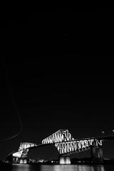 L1100991-2 (Zengame) Tags: leica leicasl leicasltyp601 sl summilux summiluxsl50mmf14asph wakasukaihinpark architecture bridge illuminated illumination japan landmark tokyo tokyobay tokyogatebridge typ601 waksu ゲートブリッジ ズミルックス ズミルックスsl ライカ 日本 東京 東京ゲートブリッジ 東京湾 橋 若洲 若洲海浜公園 東京都 jp