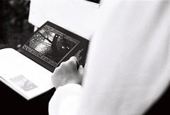 桜 (ebrubekci) Tags: analog analogue analogphotography canon istanbul sakura bokeh book books filmphotography filmisnotdead florist fujicolor fujic200 ilford 35mm ebrubekci design lens retro