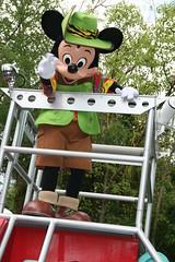 Mickey Mouse (Steve Dawson.) Tags: mickeysjamminjungleparade parade character floats disneysanimalkingdom park themepark waltdisneyworldresort baylake orlando florida usa holiday canoneos400ddigital canon eos 400d digital efs1855mmf3556 efs1855mm f3556 2nd april 2008