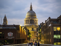 St Paul's Cathedral, London [1526] (my.travels) Tags: london history historic cathedral stpaul building architecture bluehour night nightphotography olympus penf england greatbritain unitedkingdom urban city travel gb