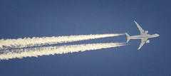 LOT Boeing 787-8 Dreamliner SP-LRG (In Memoriam: Charles Dawson) Tags: contrails aircraft airliner boeing boeing787 splrg lot