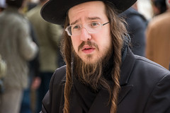 Orthodox jew at the Western Wall in Jerusalem, Israel (Phototravelography) Tags: leute individuum pray stranger headshot streetportrait israel headshots personne kopf chapeau candid cheveux homme religioso mensch ebreo drausen capelli juif prayer god mann individual portrait augen face gerusalemme buraqwall ortodosso jerusalem individuals devotion outdoor wailingwall westernwall westmauer westwand religion portraitphotography gesicht oldcity strase headcover streetphotograhy people person klagemauer closeup man judeo capello orthodoxe barba