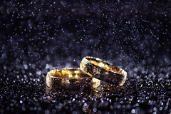 Wedding rings 2 (GOFOT) Tags: wedding ring weddingring hochzeitsring hochzeit canon600d canonefs55250mmf456isii macro bokeh closeup waterdrop macrodreams light water canon