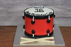 IMG_1977 (backhomebakerytx) Tags: back home bakery backhomebakery creative cake birthday drum drummer 16th