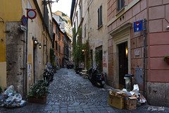 Alley in Rome (Jan Slob) Tags: italy italië rome alley steegje city nikon nikond750 ©allrightsreserved